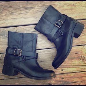 10022-Shoe Saks Fifth Avenue black leather boot